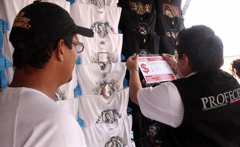 Los inspectores de la Profeco han realizado 36 visitas a comercios de diversos giros. (Milenio Novedades)