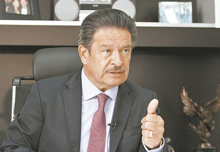 'La propuesta del jefe de Gobierno para aumentar el salario mínimo movió la silla presidencial', dice Carlos Navarrete, aspirante a la presidencia nacional del PRD. (Milenio)