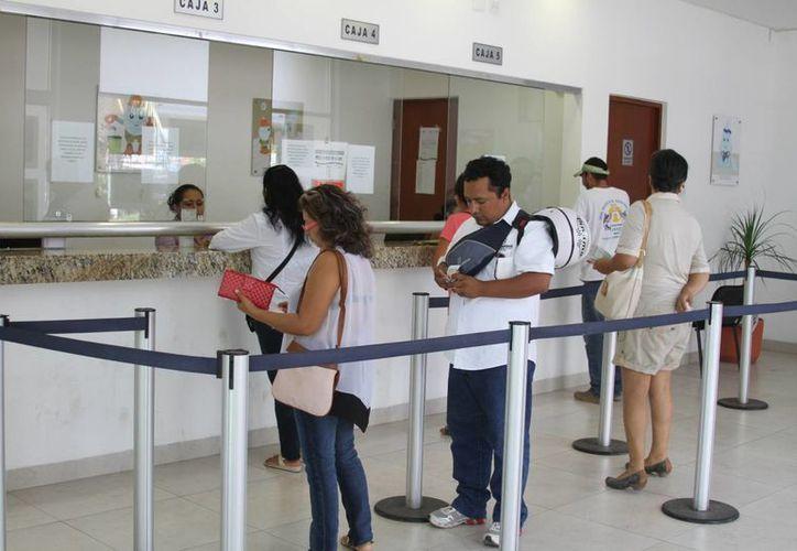 Actualmente los usuarios del servicio de agua potable sólo son atendidos una vez por semana. (Octavio Martínez/SIPSE)