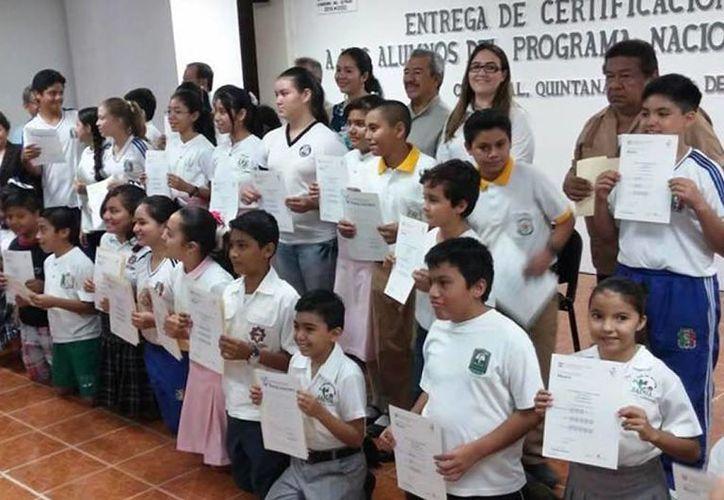 Por tener un desempeño sobresaliente en el concurso de preparación, 63 estudiantes recibieron el certificado. (Foto: Redacción)
