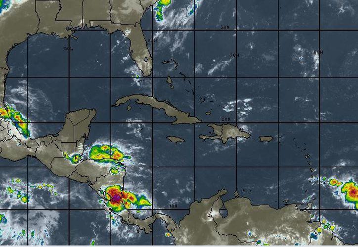 Se espera cielo parcialmente nublado, con 20 por ciento de probabilidad de lluvias en Cancún. (Intellicast)