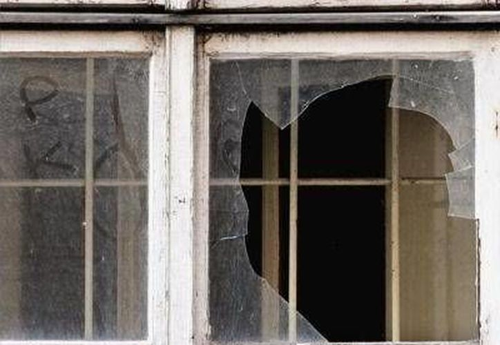 Una mujer fue detenida por romper una ventana de la casa de su ex pareja sentimental. (Foto de contexto/luduing.blogspot.com)