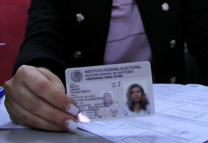 La credencial del IFE podría llevar encriptados los datos del ciudadano. (Milenio Novedades)