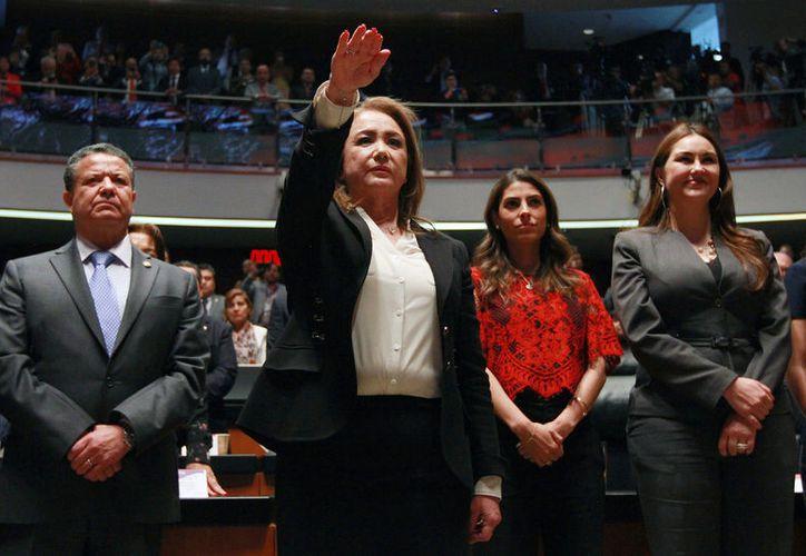 Al comparecer ante el Pleno, Esquivel, esposa del empresario José María Rióboo, afirmó que no habráun paso atrás en la progresividad de los derechos ganados. (Notimex)