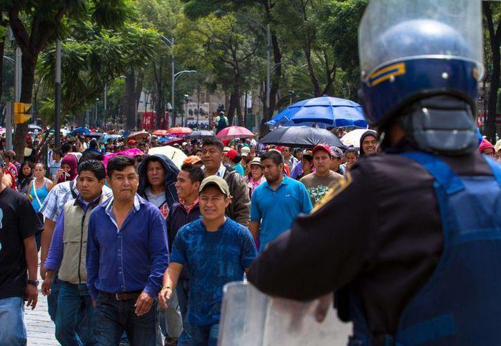 Los maestros bloquean las principales arterias de la capital del país a modo de protesta. (Notimex)
