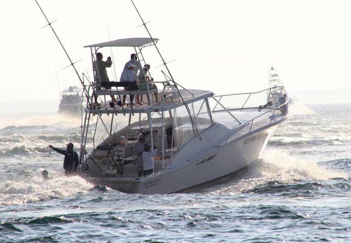 Cada año se inscriben más embarcaciones para la competencia. (Raúl Caballero/SIPSE)