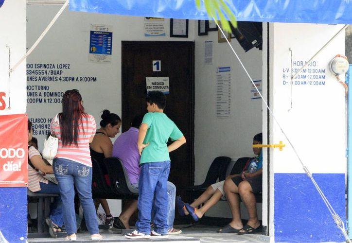 Entre las inconsistencias derivan la falta de baños, botes de basura con tapa y área de recepción. (Harold Alcocer/SIPSE)