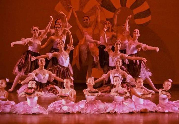 """La escuela de danza """"Ballet Clásico Cancún"""" celebrará este viernes su aniversario con una gala de ballet. (Cortesía)"""