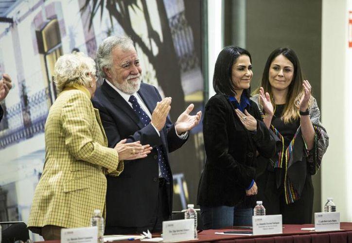 Lydia Cacho aceptó la disculpa. (El País)