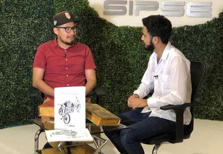 Josué Tello en entrevista con SIPSE televisión durante la Filey. (Novedades Yucatán)