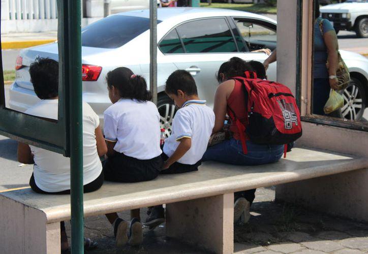 Los uniformes escolares fueron licitados en dos partidas. (Foto: Joel Zamora/SIPSE)