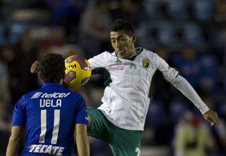 León se convirtió en el segundo semifinalista de la liguilla del Torneo Apertura 2012 de la Liga MX, al vencer a Cruz Azul. (Archivo Notimex)