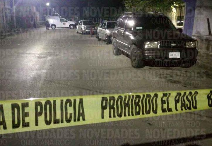 Autoridades policíacas acudieron para atender el reporte de los hechos. (Redacción/SIPSE)