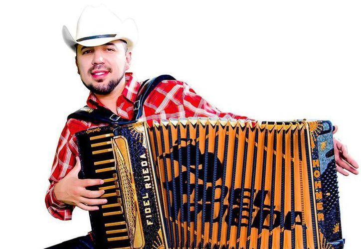 El cantante Fidel Rueda estrena el nuevo videoclip de su nuevo tema El cantante estrena videoclip de su tema 'Ya no soy el mandandero' el cual ya circula en los principales canales especializados en México y EU. (Milenio Novedades)