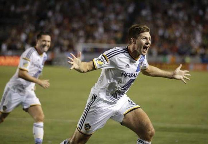 Steven Gerrard marcó su primer  gol en la MLS en el triunfo 5 a 2 del Galaxy contra el Earthquakes de San José.(AP)