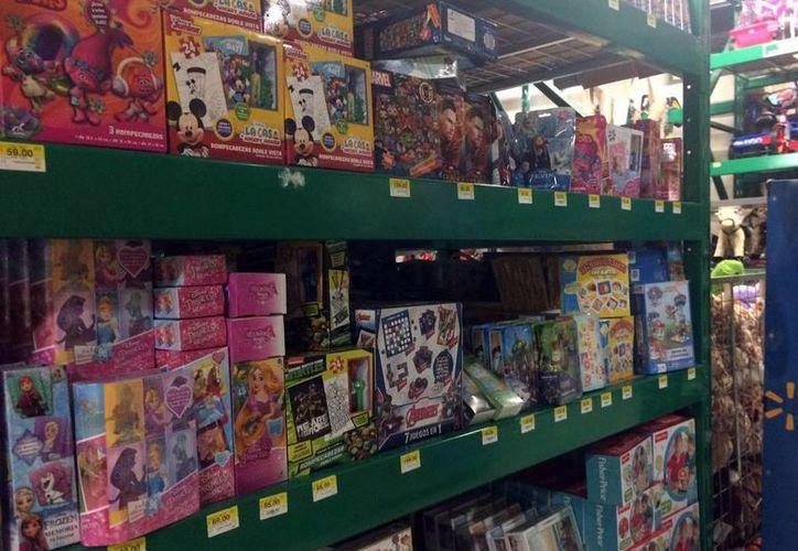 Los precios de los juguetes varían no sólo por su tamaño o piezas, también por la moda y tendencias. (Luis Soto/SIPSE)