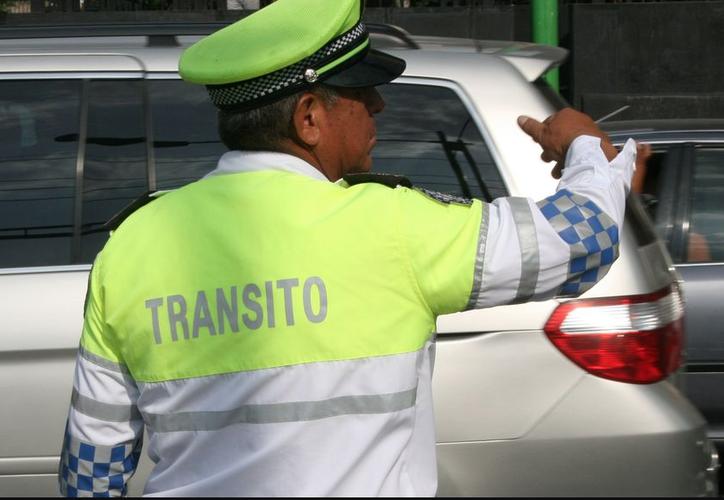Elementos de Tránsito Municipal tomaron conocimiento de éste accidente, para turnarlo a la autoridad encargada. (Foto: Contexto)