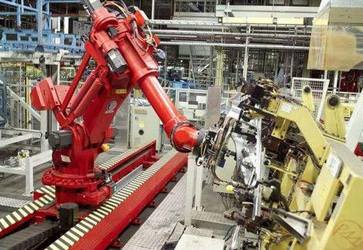 Existen comercializadoras de robots como Yaskawa Motoman, con plantas en ciudades mexicanas como Aguascalientes y Apodaca, Nuevo León. (Domingo López Bustos/Milenio)