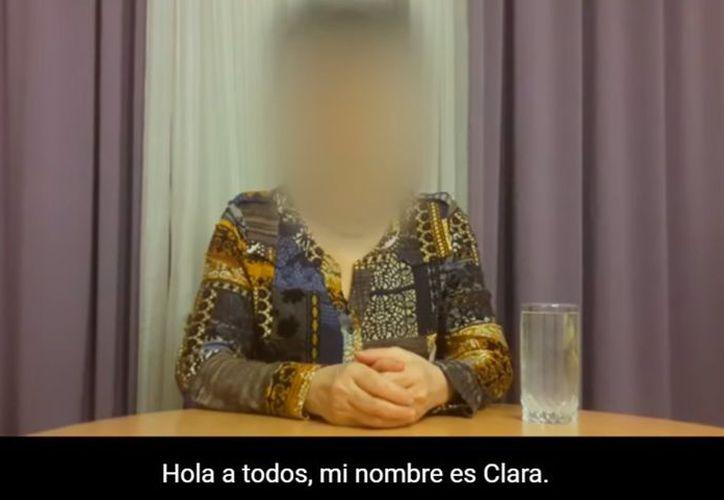 'Clara' revela que su país la mandó al futuro para adquirir armas.