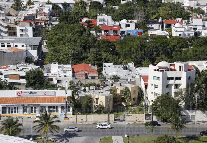 Algunos fraccionamientos sufren la falta de drenaje pluvial en la ciudad. (Foto: Jesús Tijerina)