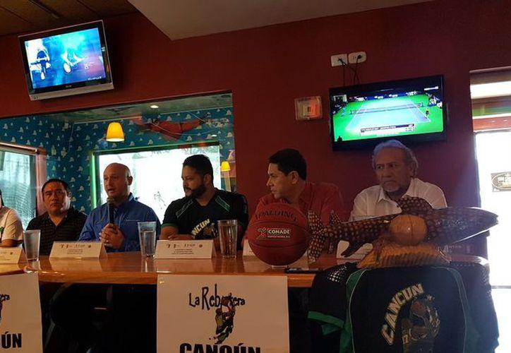 Estuvieron presentes autoridades deportivas durante la conferencia de prensa. (Raúl Caballero/SIPSE)