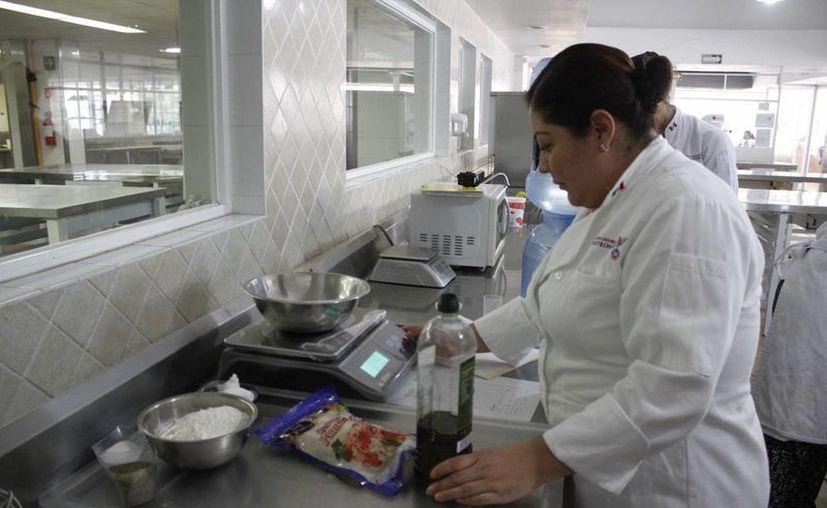 Estudiantes tendrán acercamientos con expertos del sector gastronómico. (Sergio Orozco/SIPSE)
