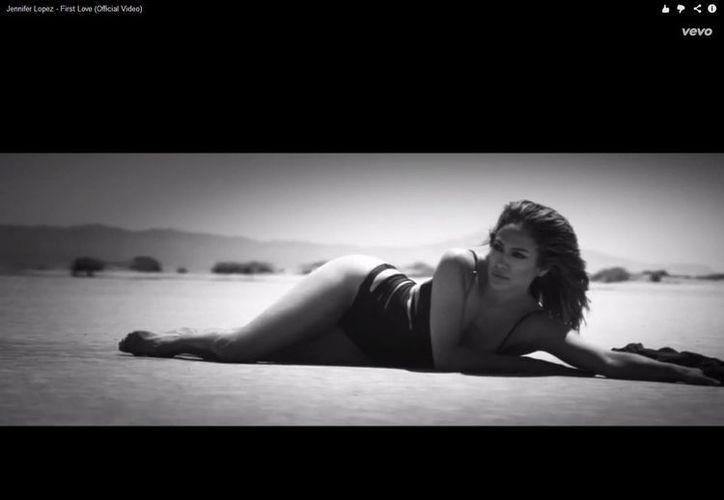 J.Lo se muestra más que sensual en el video promocional de su nueva canción. (YouTube)