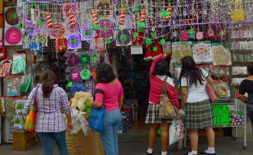 La temporada navideña es de las más esperadas por el comercio. (Theany Ruz/SIPSE)