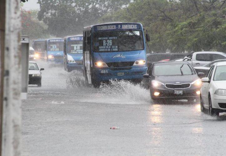 El día de ayer se registraron lluvias fuertes en la ciudad por lo que se activó el Operativo Tormenta. (Sergio Orozco/SIPSE)