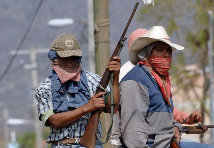 Acusan al gobierno de Guerrero de financiar a los grupos de autodefensa. (Milenio Novedades)