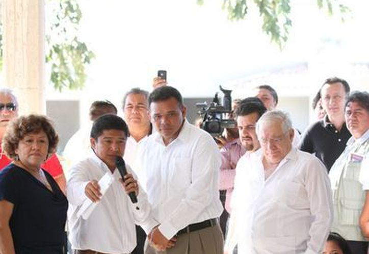 El Gobernador continúa entregando obras en el estado. (Cortesía)