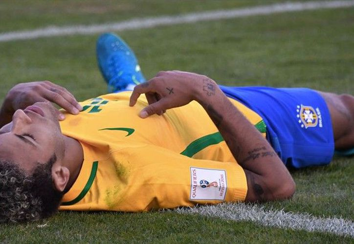 Factores de desventaja para equipo brasileño: campo, altitud, balón. (Foto: ADN 91)