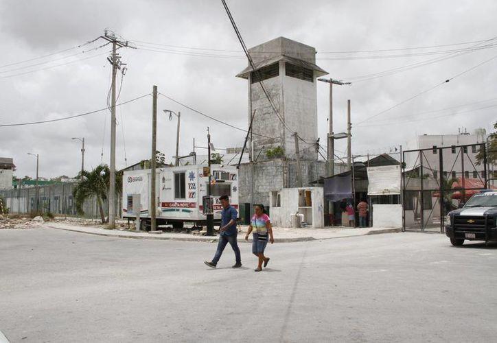 La conclusión de algún grado escolar beneficia a los internos para reducir el tiempo de la condena que están pagando. (Victoria González/SIPSE)