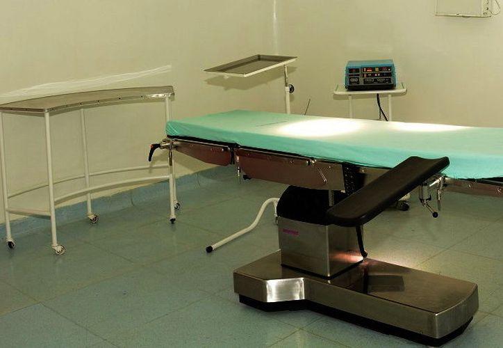 Las clínicas cuentan con equipo médico sin registro sanitario. (Imagen estrictamente ilustrativa de Milenio Novedades)