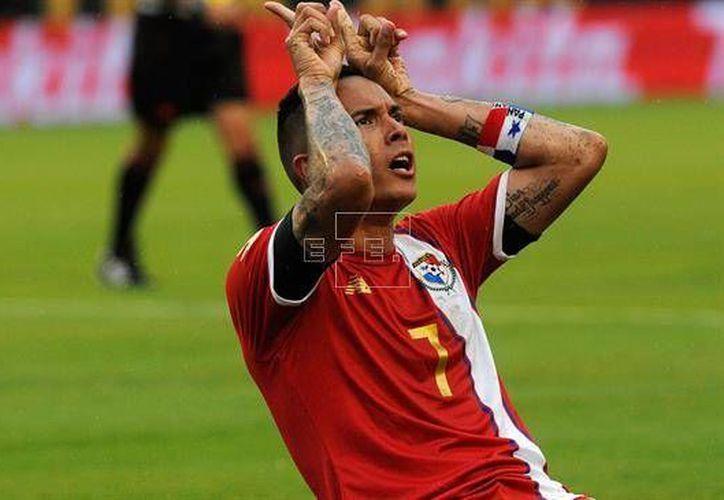 El delantero Blas Pérez marcó un doblete en el estreno de Panamá en Copa América, este lunes ante Bolivia. (EFE)