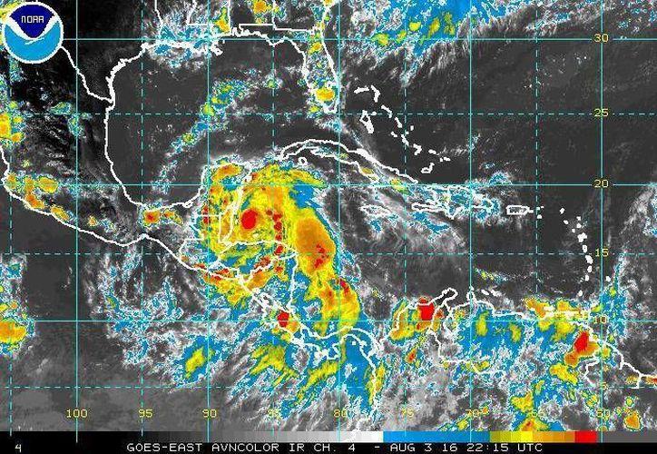 En México la temporada de ciclones es de mayo a noviembre, y en promedio llegan 25 al año. (EFE)