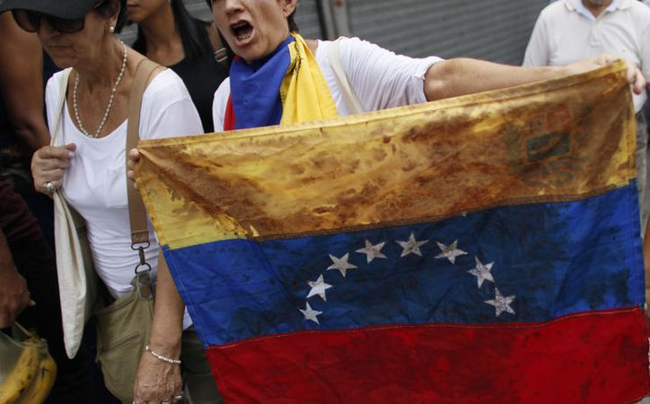 El presidente de Venezuela, Nicolás Maduro, pidió que Donald Trump dejara de inmiscuirse en los asuntos de su país. (Noticieros Televisa)