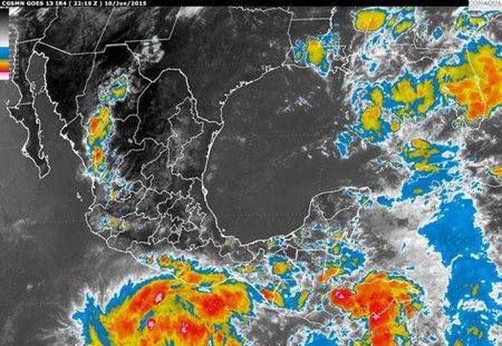 La depresión tropical 3-E se encuentra ubicada al sur de los estados de Guerrero y Oaxaca. (smn.cna.gob.mx)
