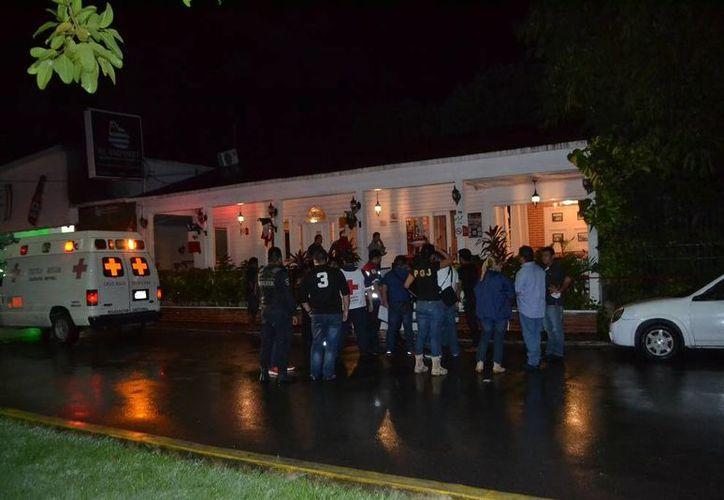 Dos personas fueron ejecutadas en un restaurante ubicado sobre la avenida Carmen Ochoa de Merino en Chetumal. (Redacción/SIPSE)