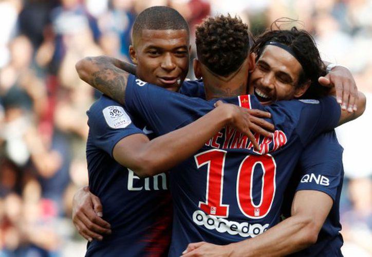 PSG ganó 3-1 a Angers con goles de Cavani, Mbappé y Neymar por la Ligue 1. (Foto: AFP)