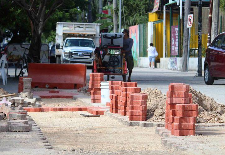 Mencionan que las obras se tienen que terminar antes del 15 de diciembre. (Octavio Martínez/SIPSE)