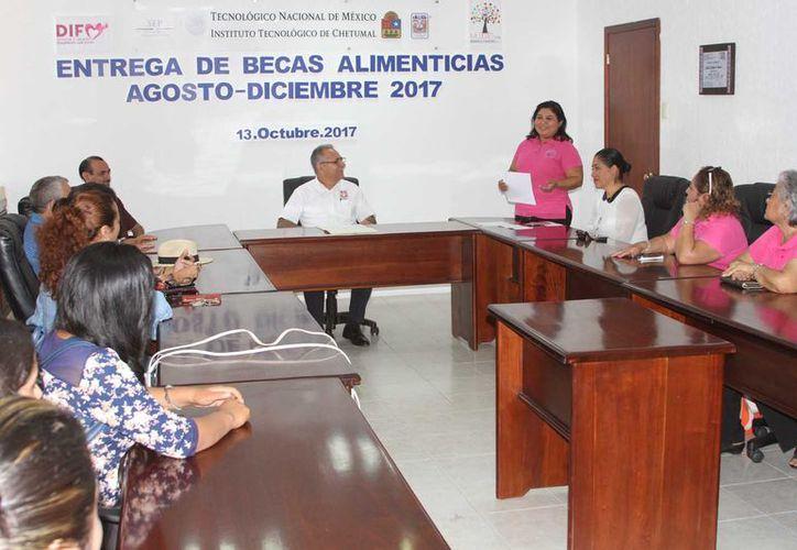 El propósito es apoyar a alumnos de escasos recursos, que realizan sus estudios de nivel superior. Foto: (Ángel Castilla/SIPSE)