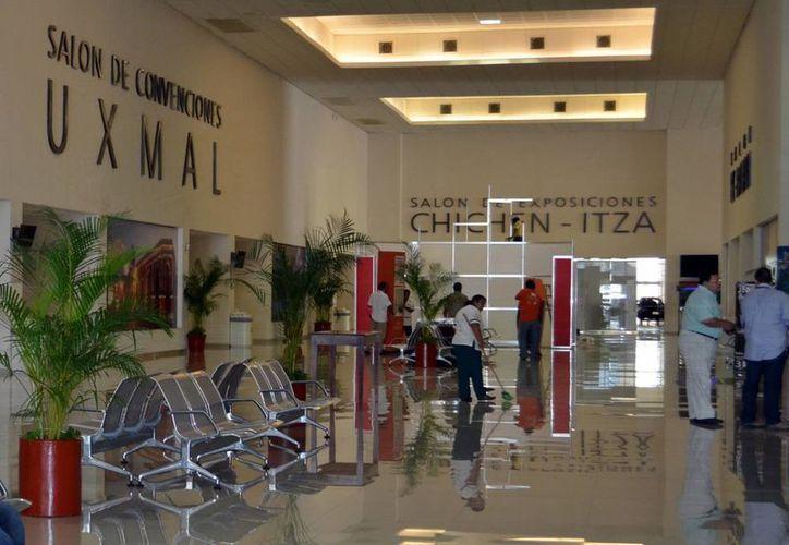 """El Centro de Convenciones Yucatán """"Siglo XXI"""" será la sede de la Cumbre del Microcrédito  del 3 al 5 de septiembre próximos. (Milenio Novedades)"""