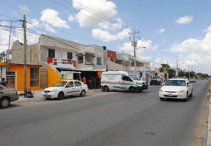 La agresión inició en un local de comida de la Región 523. (Eric González/SIPSE)