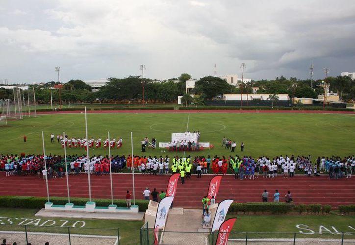 La división menor del futbol amateur en Yucatán en su ceremonia de inauguración. (SIPSE)