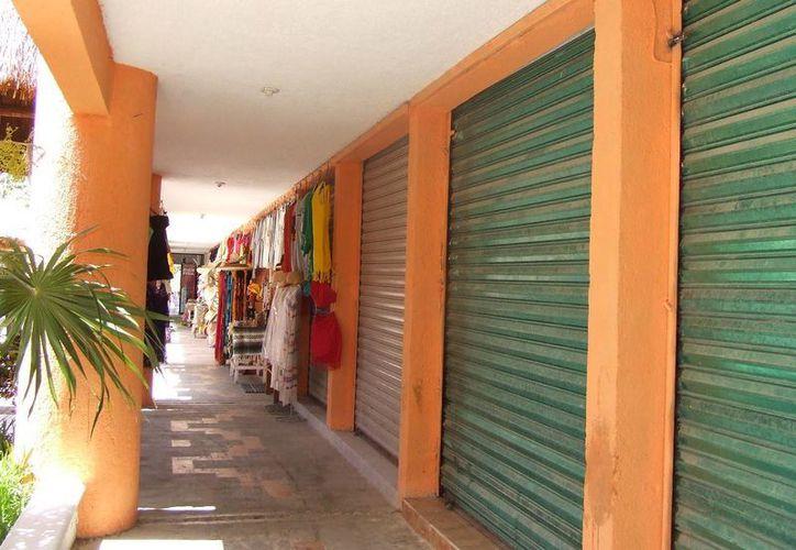 En lo que va de 2014 alrededor de 20 micro y pequeños negocios populares han cerrado sus puertas.  (Rossy López/SIPSE)