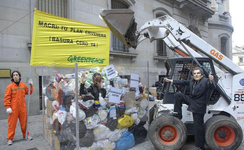 Greenpeace recalca la prohibición de usar la incineración para acabar con el problema de la basura. (Greenpeace Argentina)