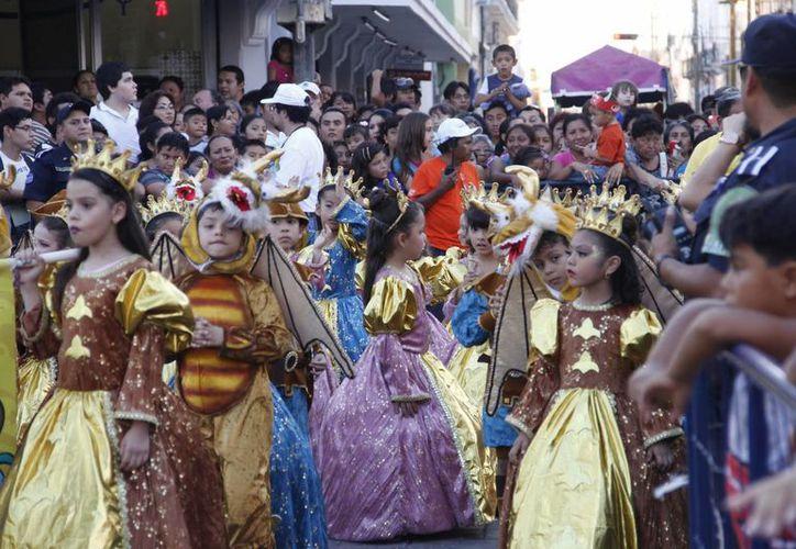 El desfile de niños se mantiene su mismo derrotero: saldrá del estacionamiento del Ayuntamiento hasta el parque de Santa Lucía el próximo jueves 27 de febrero a partir de las 16:00 horas. (Archivo SIPSE)