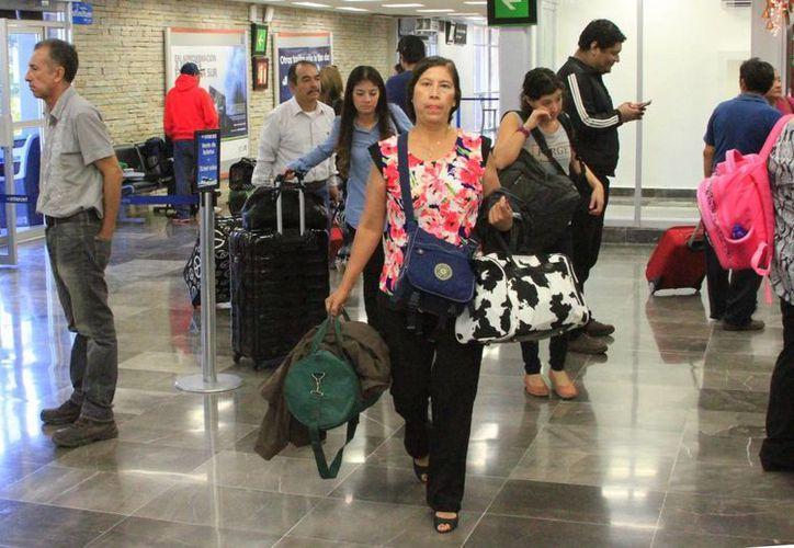 Personal de las dos líneas aéreas que operan en la capital del estado señalaron que ahora sus operaciones irán a la baja. (Ángel Castilla/SIPSE)