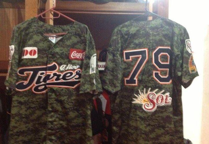 El uniforme conmemorativo de los Tigres de Quintana Roo. (Twitter/@fminjarez)